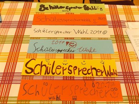 Wahlschilder für das Schulhaus